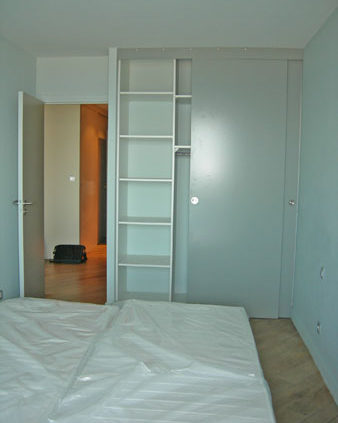 Chambre avec placard encastré - Menuiserie Agencement Général 44 à Nantes (44)