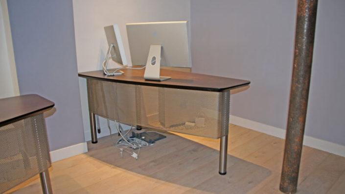 Bureau en bois et métal sur-mesure - Menuiserie Agencement Général 44 à Nantes (44)