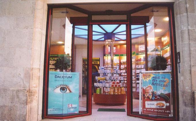 Devanture vitrée - Menuiserie Agencement Général 44 à Nantes (44)